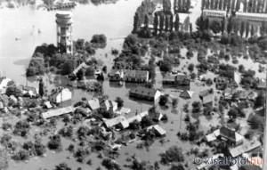 Győr-Révfalu víz alatt - 1954 (Forrás: Internet)