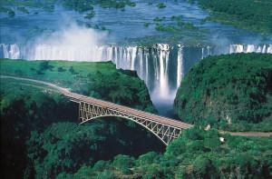 1905-ben a híd megépítése nagyban megkönnyítette a vízesés megközelíthetőségét