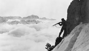 """""""Osztrák katona lő az Alpokban"""" - Imperial War Museum, © IWM"""