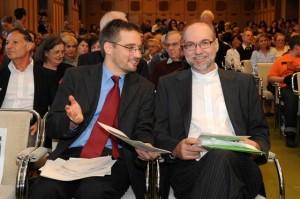 Dr. Mikusi Balázs és Ulrich Leisinger, a salzburgi Mozarteum kutatási igazgatója a bemutatón  (Forrás: nemzetikonyvtar.tumblr.hu)
