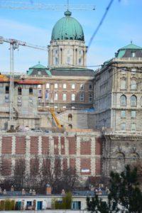 Nyugati irányból, a Naphegyről jól látszanak a gyarapodó épületek...