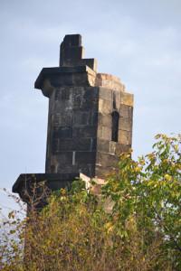 A tornyot a Turáni Egyistenhívők Tábora, Egyháza építtette