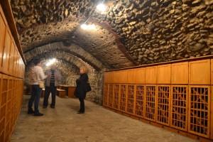 """Az eredetileg 15. századi pincét felújították, s """"bortrezort"""" alakítottak ki"""