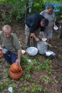 Az ebéd és egy bronzkori cserépedény rekonstrukció