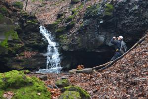 A Felső-vízesés andezitlépcsőn bukdácsol lefelé