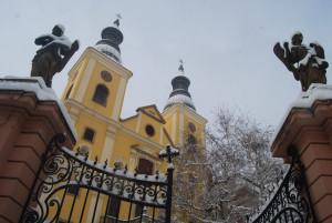 Az egri ciszterci templom (teljes nevén: Szent Bernát Ciszterci Borgia Szent Ferenc templom)