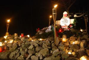 A Kitörés során elesett három magyar honvéd sírja 2011-ben (Fotó: Harsáczki György)