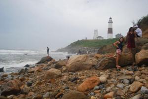 Nincs jobb, mint az óceán-ostromolta part gránitkavicsain sétálni