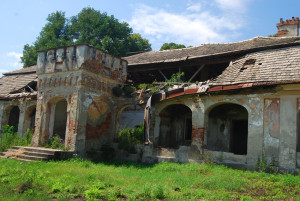 Gesztete Putnoky-kastélyának maradéka 2008-ban. Ma már se híre, se hamva a tetőnek...
