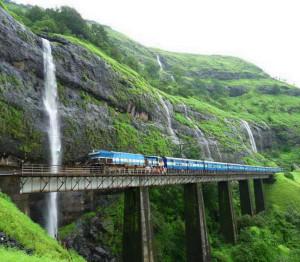 A Konkan vasútvonal más szakaszai is bővelkednek látnivalókban... (Forrás: internet)